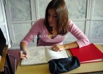 11 Girl at work #7-009
